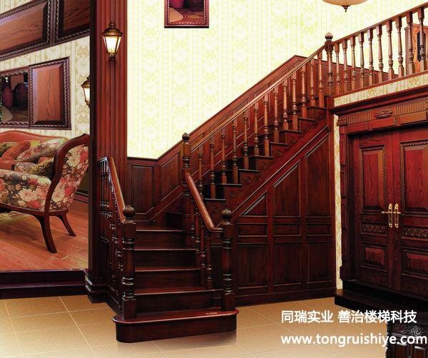 家用楼梯下巧设计合理利用空间
